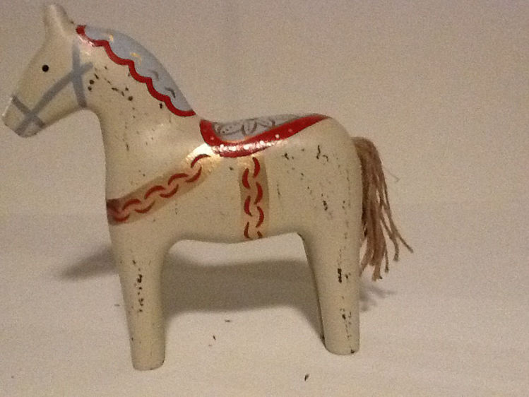 "Picture of Scandinavian Horse, 9"" tall"