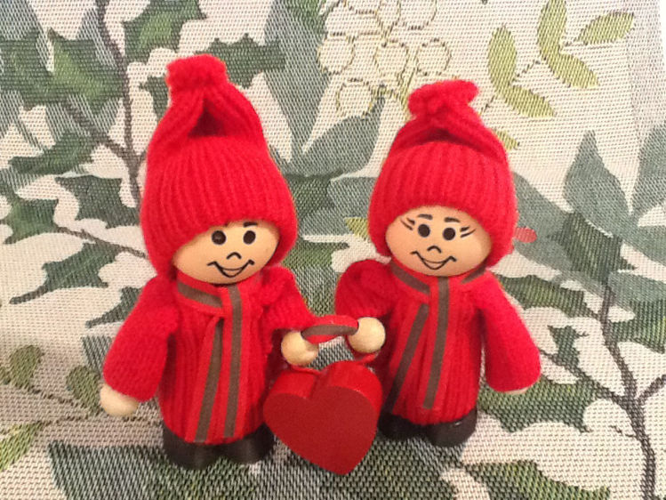 Picture of Small Tomte Couple w/Heart