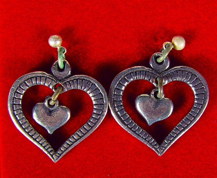 Picture of Haustad Pewter Earings (Double Hearts)
