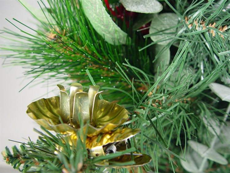 Picture of Golden Christmas Tree candle holder