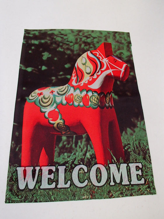 Picture of Dalahorse garden flag-english