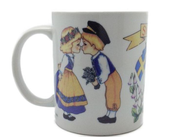 Picture of Swedish Boy Kissing Girl Mug