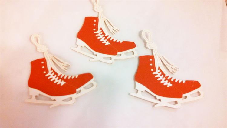 Picture of Danish  Paper Die-Cut Skates