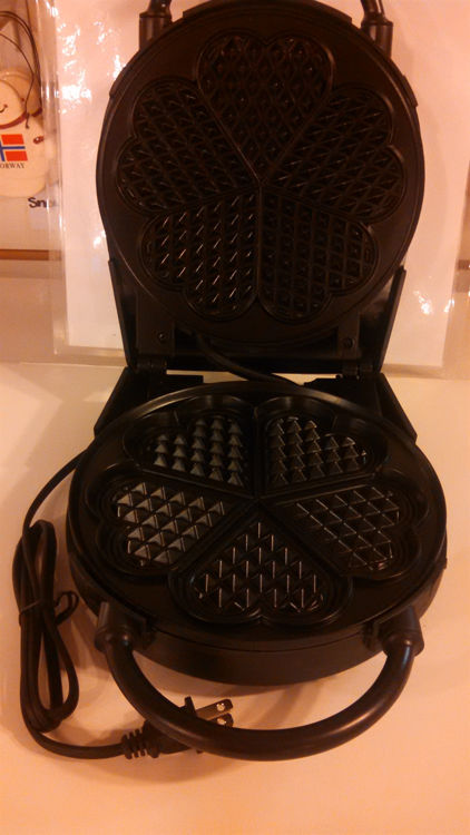 Picture of Electric Classic Heart Waffler