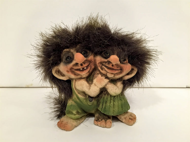 Picture of Nyform Troll Couple Hugging