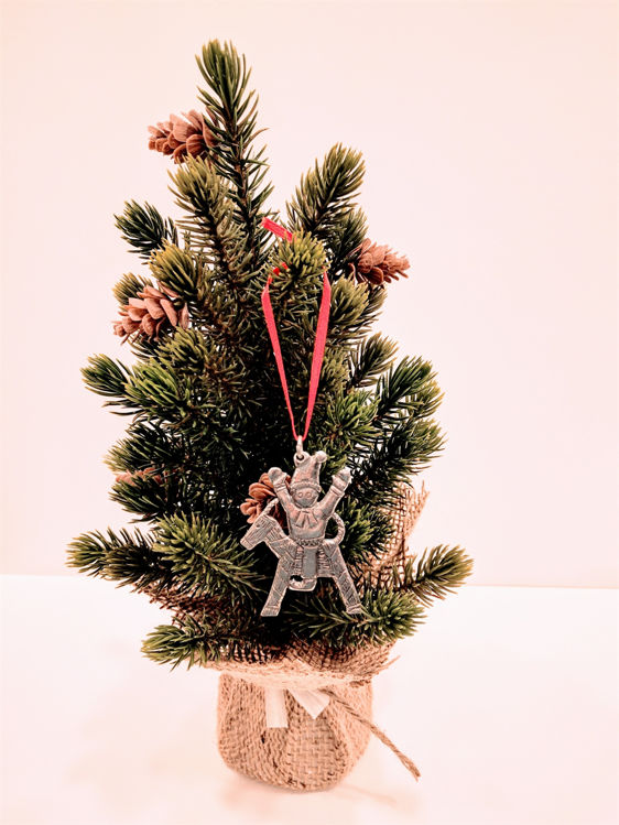 Picture of Norwegian Pewter  Ornament,Tomte on Jul Bok