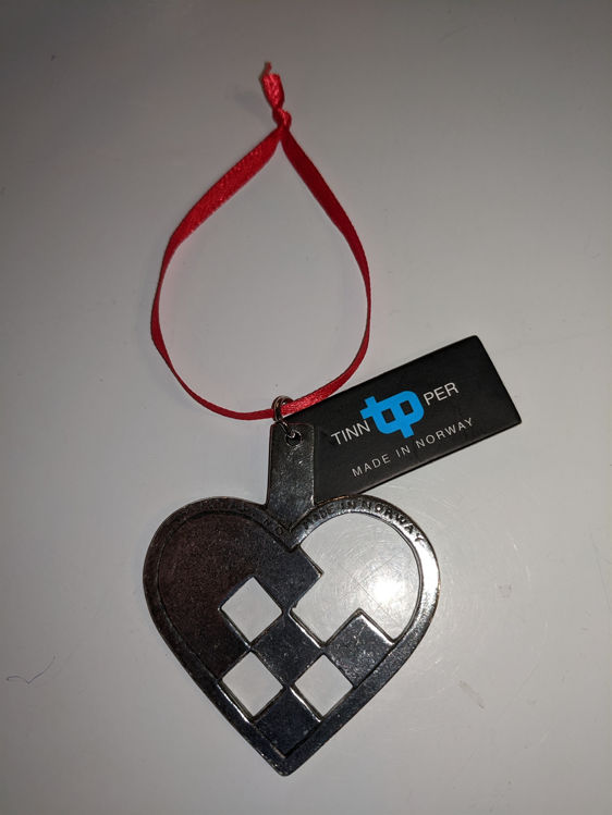 Picture of Norwegian Pewter Ornament, Pleated Heart
