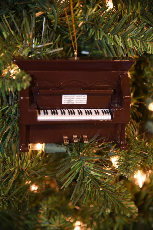 Picture of Upright Piano Brown