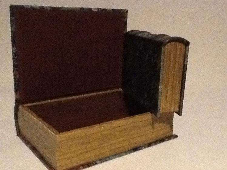Picture of Polish Boxes, Irises Van Gogh