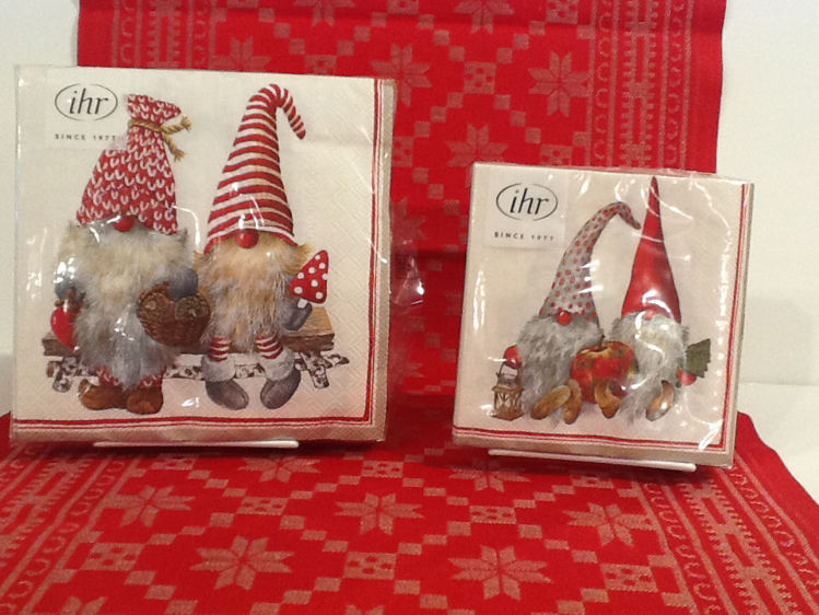 Picture of Paper Napkins,   Gnomes with Apple