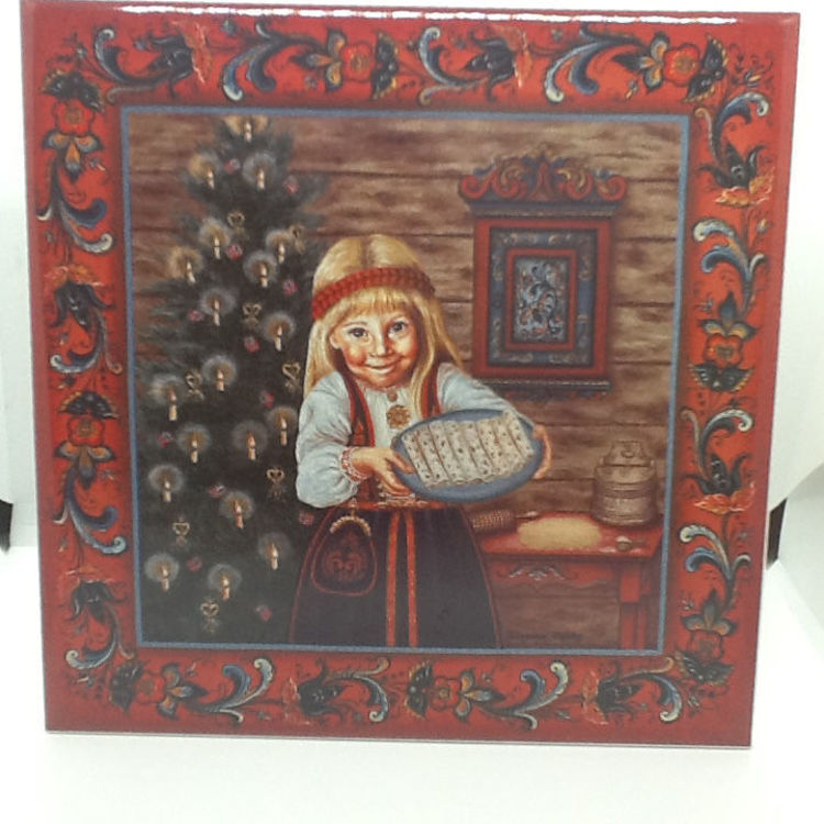 Picture of Suzanne Toftey Tile, Lefse Girl